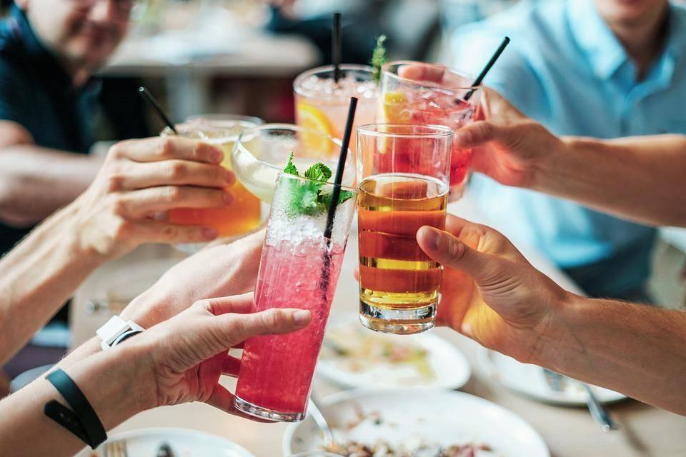 bar pubblici esercizi cocktail